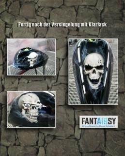 Airbrush Schädel skull auf Motorradtank